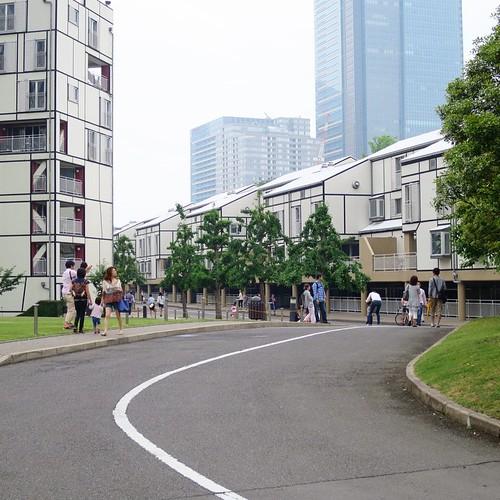 六本木にある、アメリカ大使館宿舎。アメリカの街並みです。