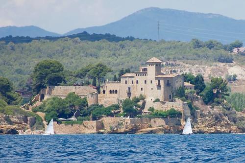 El Castell de Tamarit des del mar