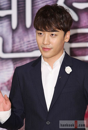 1398236410350_seungri_angel_eyes_press_conference_140403_2_009.jpg