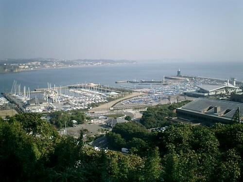 新「江ノ島展望灯台」http://mitch1.blog.so-net.ne.jp/2005-10-17-5