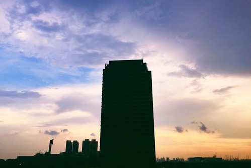 street sunset cloud sun clouds singapore asia afternoon dusk jem iphone jurongeast