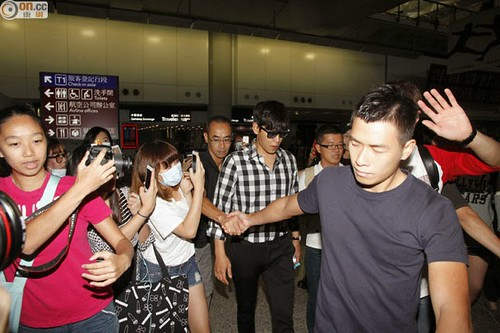 TOP-HongKongAirport-26sep2014-Press-On.Cc-03