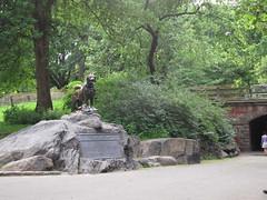 Statue of Balto the Dog
