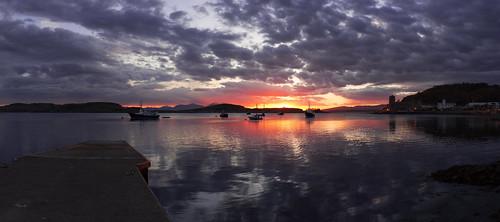 sunset seascape boats scotland pier innerhebrides isleofmull oban lismore argyllshire kerrera ultrawideangle argyllandbute obanbay westscotland isleofkerrera gatewaytotheisles corranesplanade hutchesonsmonument stcolumbascathedral antòban kyoshimasamune