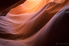 Curves 'n hills @ Lower antelope canyon