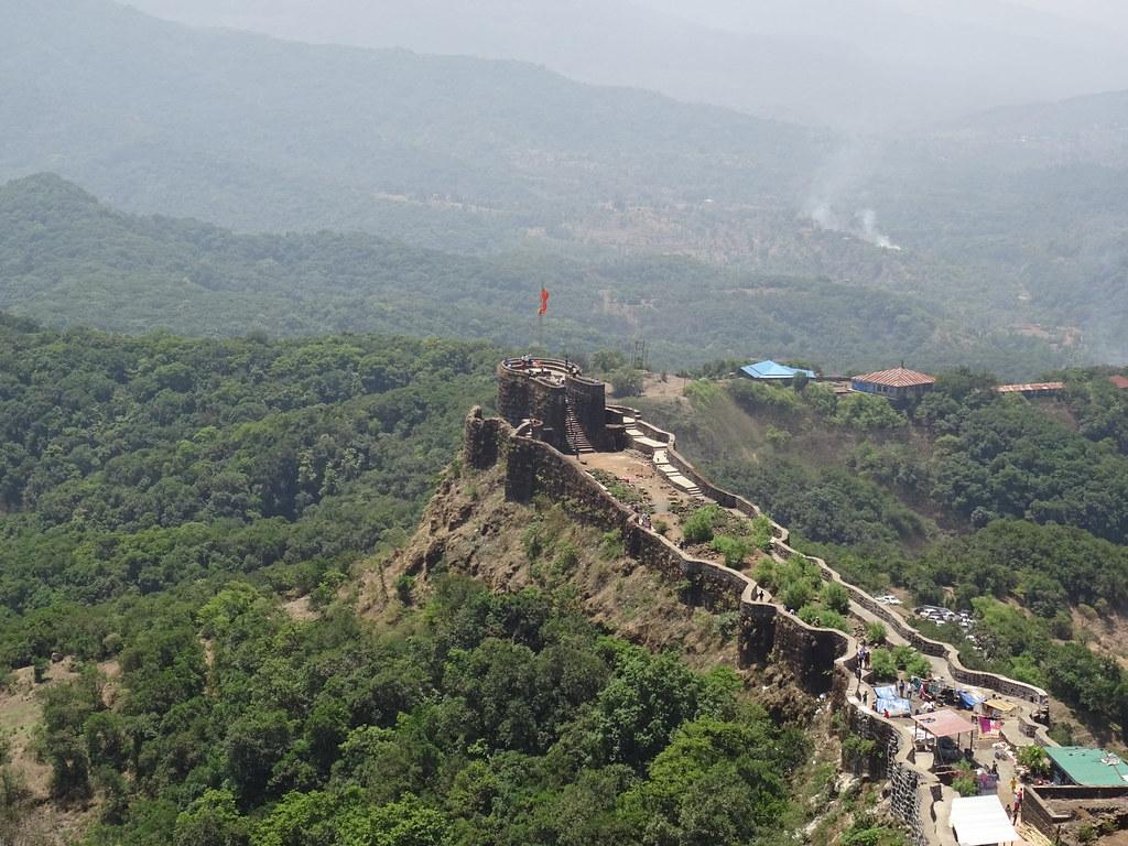 Strawberries, Trekking and Pristine Landscapes of Beautiful Mahabaleshwar