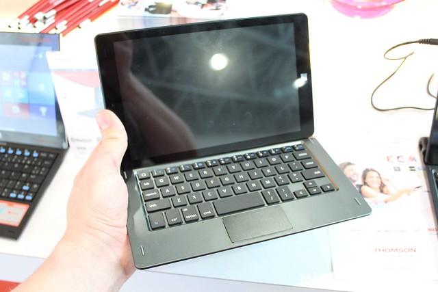 Une tablette hybride 8.9 pouces chez Thomson