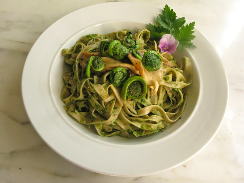 Pasta with Ramp and Parsely Pesto