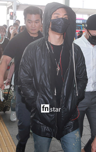 BIGBANG Incheon Airport to Shanghai Press 2015-06-19 079