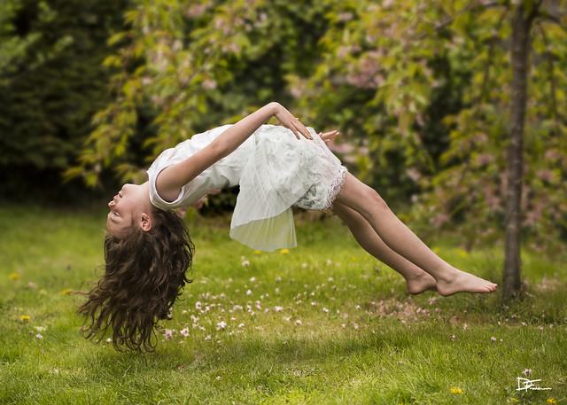 Darren Frodsham - Levitation
