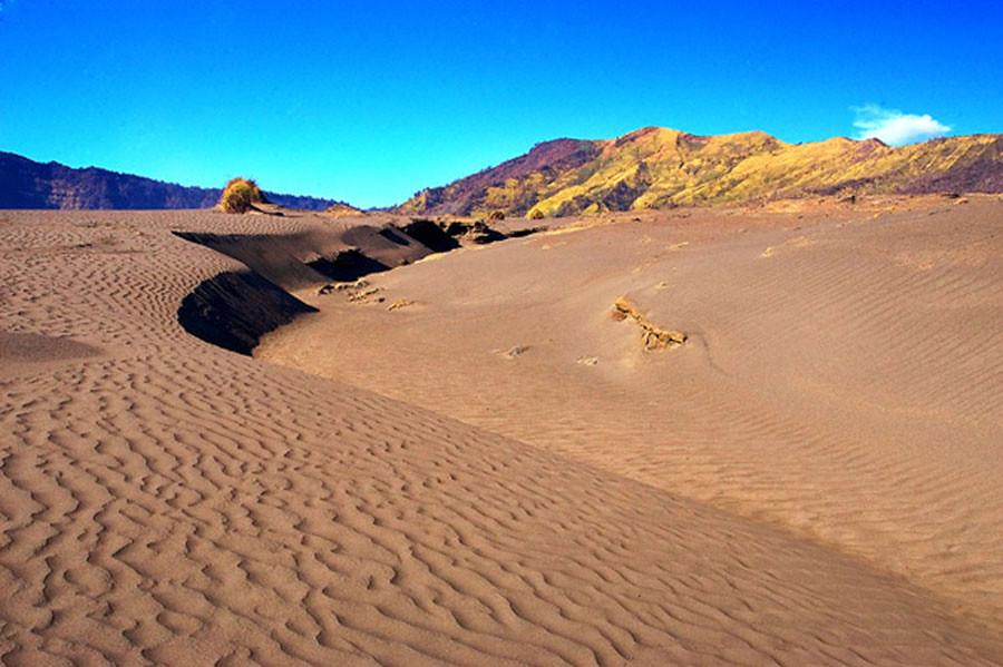 5. gurun pasir mount bromo via setapakkecil