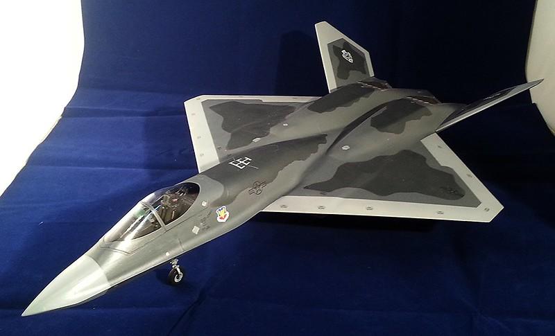 USAF YF-23, Hobby Boss 81722 (2013)