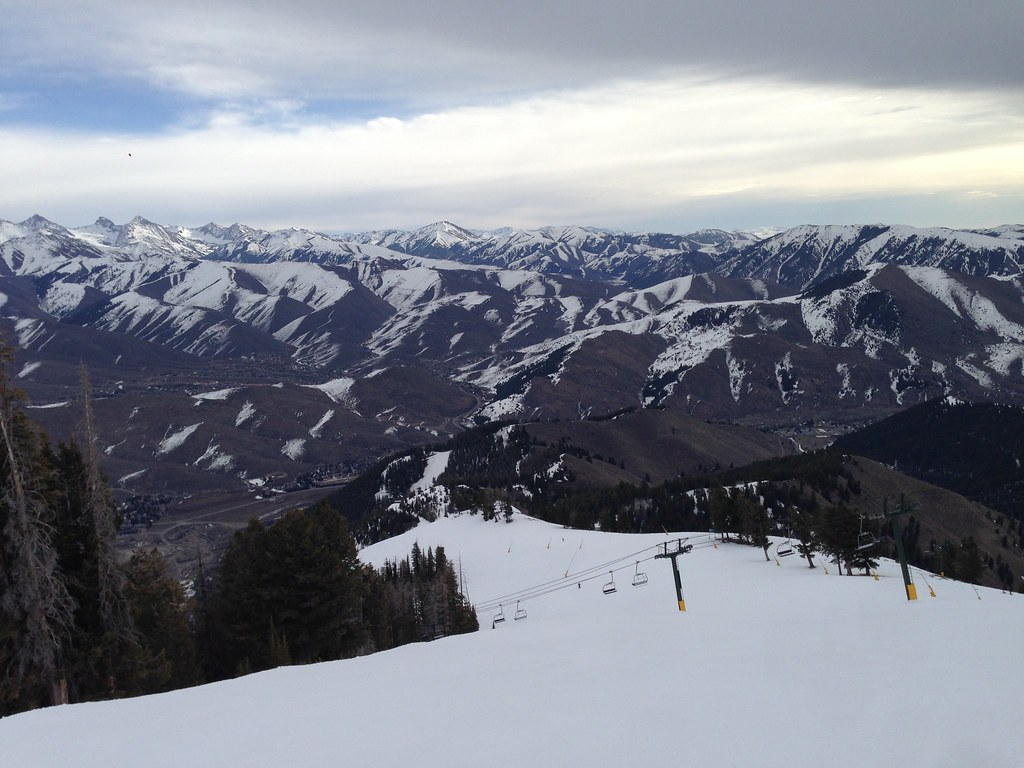 Skiing at Christmas Ridge