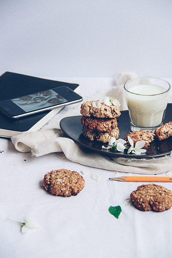 Date Sweetened Oatmeal Cookies & Spring Glory