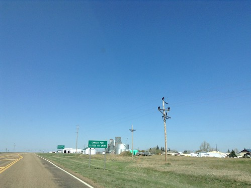 sign montana intersection biggreensign mt5 flaxville mts511 mts251 portofbigbeaver portofwhitetail