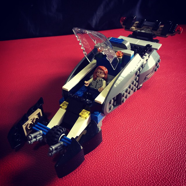 My first Lego MOC , a three wheel battle tank driven by Lois Lane, parts use from Superman Black Zero Escape and other parts.