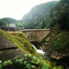 Tout petit barrage. #auvergne