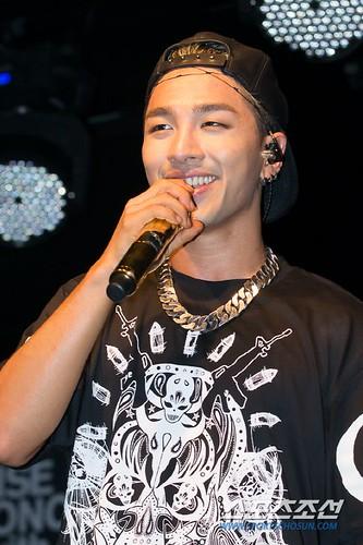 Taeyang_BUSAN_mini-concert_20140627 (12)