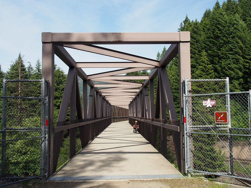 John Wayne Pioneer Trail: This bridge features a bend in the middle.