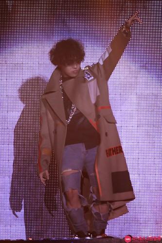 GD-guestappearance-Taeyang-RISE-Seoul-20141012_17