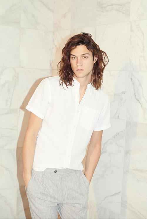 白半袖バンドカラーシャツ×グレースラックス