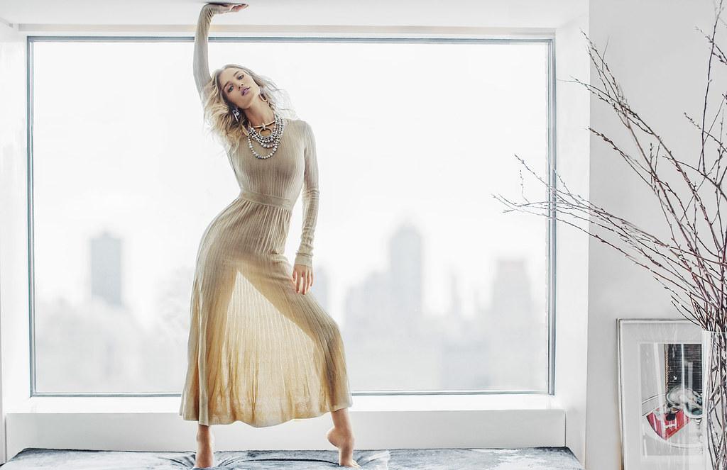 Роузи Хантингтон-Уайтли — Фотосессия для «Vogue» TH 2016 – 1