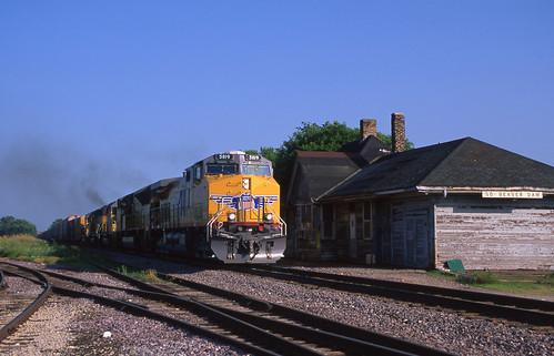 UP 5819 - 7/2/2002