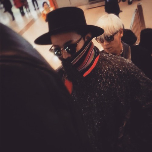 Big Bang - Gimpo Airport - 15jan2015 - Weibo - 01