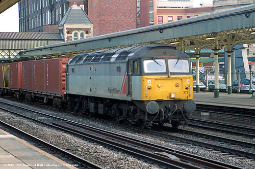 southwales train diesel railway newport freight freightliner class47 47372