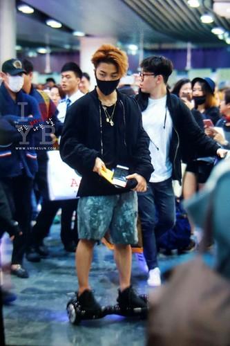 BIGBANG departure Macao to Seoul 2015-10-26 urthesun