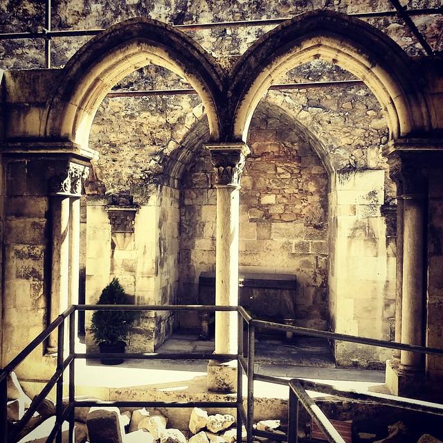 Bifora romana, cattedrale di Lisbona