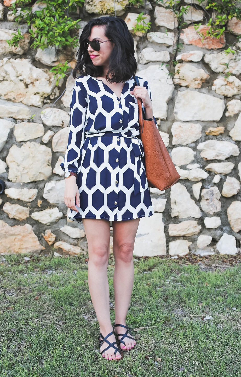 austin texas, austin fashion blog, austin fashion blogger, austin fashion, austin fashion blog, long sleeve navy dress, target black sandals, nordstrom reversible tote bag, urban outfitters map watch