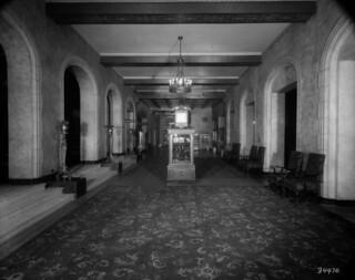 Nova Scotia Hotel - main lobby / Grand hall de l'hôtel Nova Scotia