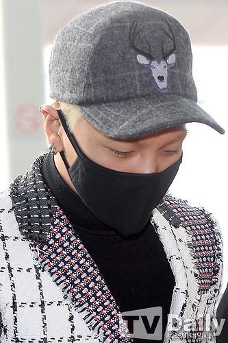 Tae Yang - Incheon Airport - 09jan2015 - TV Daily - 10