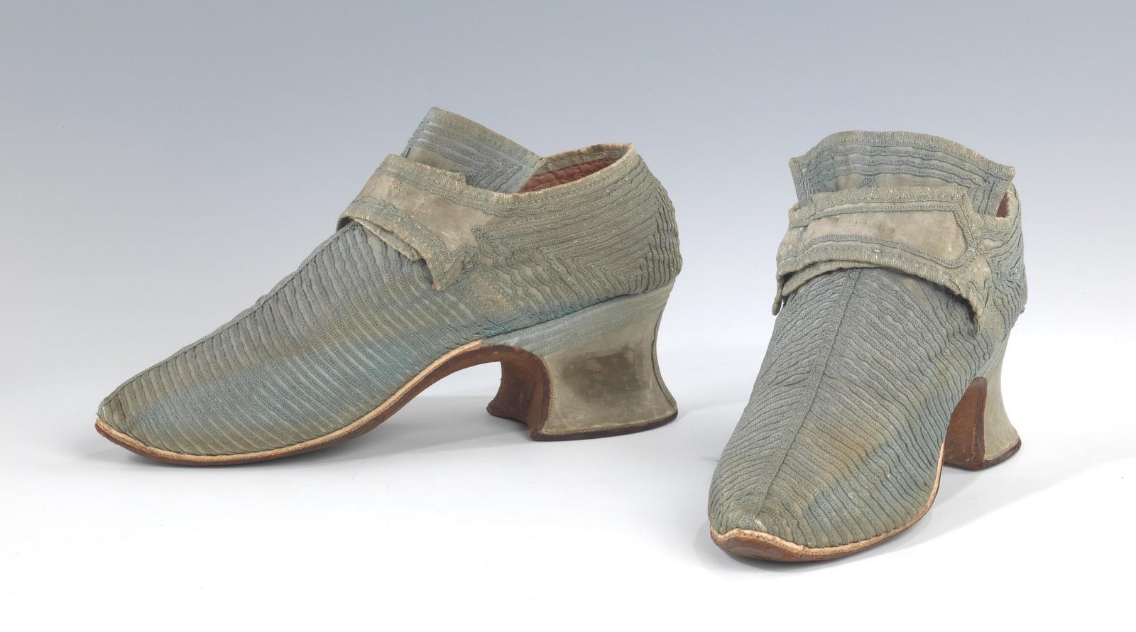 1759. European, Silk