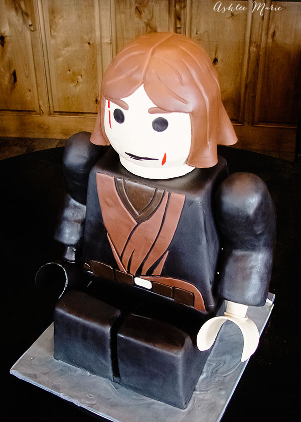 Lego Star Wars Anakin Skywalker Sitting Carved Birthday Cake
