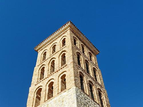 Arcos de la Llana (Burgos). Iglesia de San Miguel Arcángel. Torre
