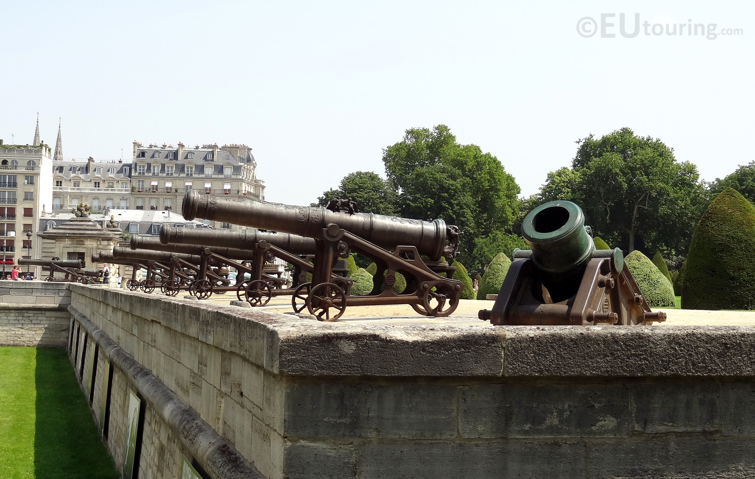 Cannons along the entrance