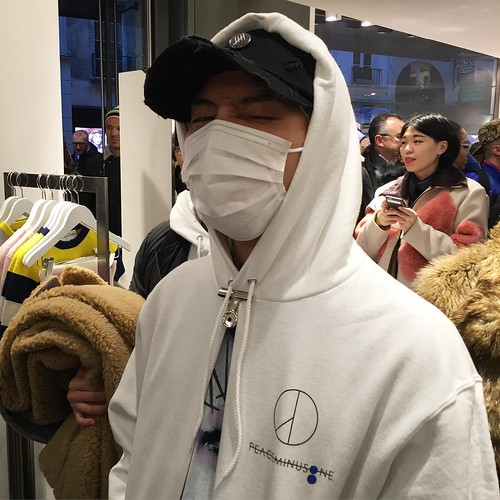 G-Dragon - Colette x Peaceminusone - 23jan2016 - christinapaik - 01