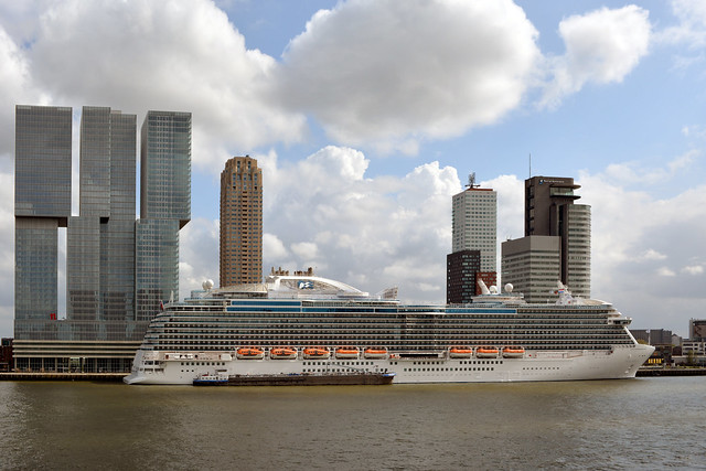 Cruiseschip Royal Princess Rotterdam