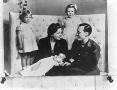 Het prinselijk gezin in Ottawa, 1943   The royal Dutch family in Ottawa, 1943   La famille royale à Ottawa, 1943