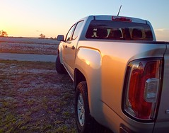 hummer h3(0.0), automobile(1.0), automotive exterior(1.0), pickup truck(1.0), wheel(1.0), vehicle(1.0), truck(1.0), chevrolet silverado(1.0), bumper(1.0), land vehicle(1.0),