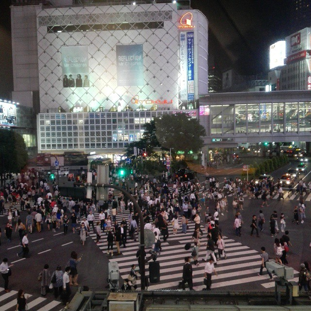 Shibuya Crossing  #igdaily #igersjp #instagramhub #instagood #mine #like #follow #ignation #l4l #instagramlove #tagsforlikes #love #instadaily #instalove #instalike #instafollow #nofilter #japan #日本 #travel #vacation #holiday #東京 #shibuya #starbucks #澁谷