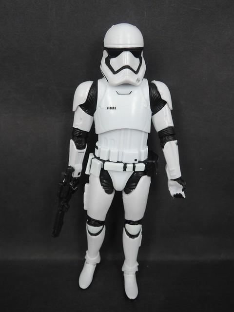 【新增官網照片和開箱影片】電影未上映玩具先發行!《星際大戰: 原力覺醒》帝國暴風兵/白兵(Stormtrooper)