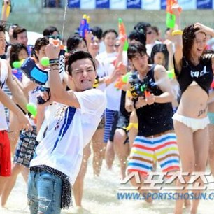 GDragon_Waterworld_DryD_Commercial-Shoot-20140704 (24)
